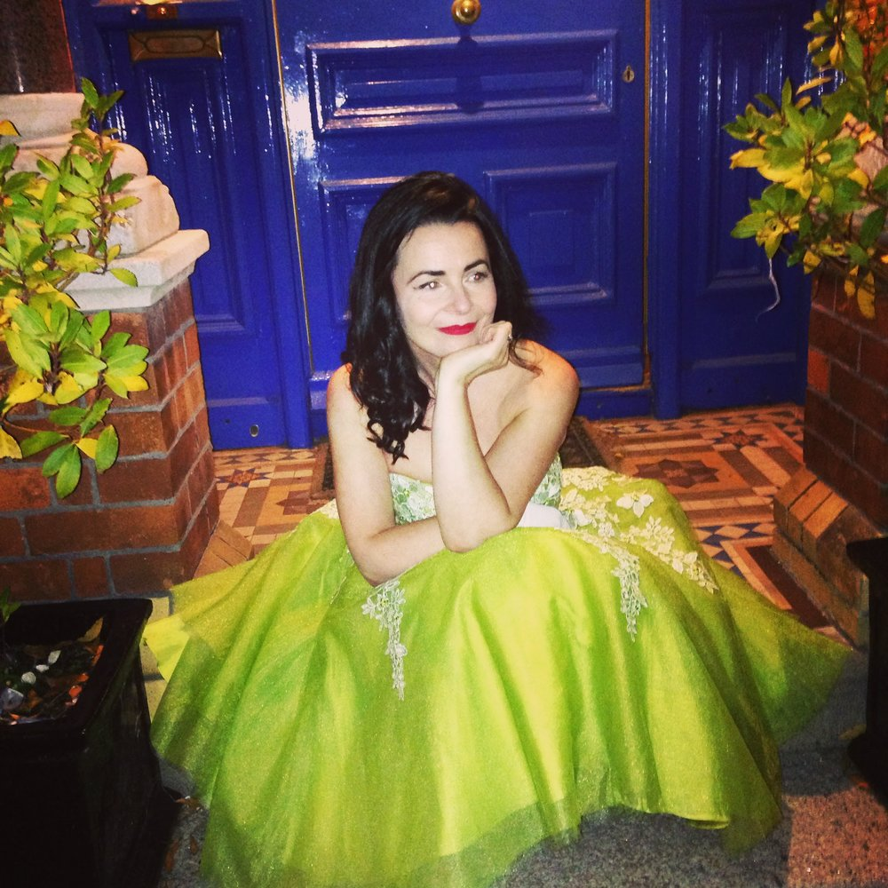 Wonderful vintage tulle 50's dress with layered skirts. The most amazing lime green colour. It totally brightened my complexion up and the colour looks amazing on fair skin. Love this