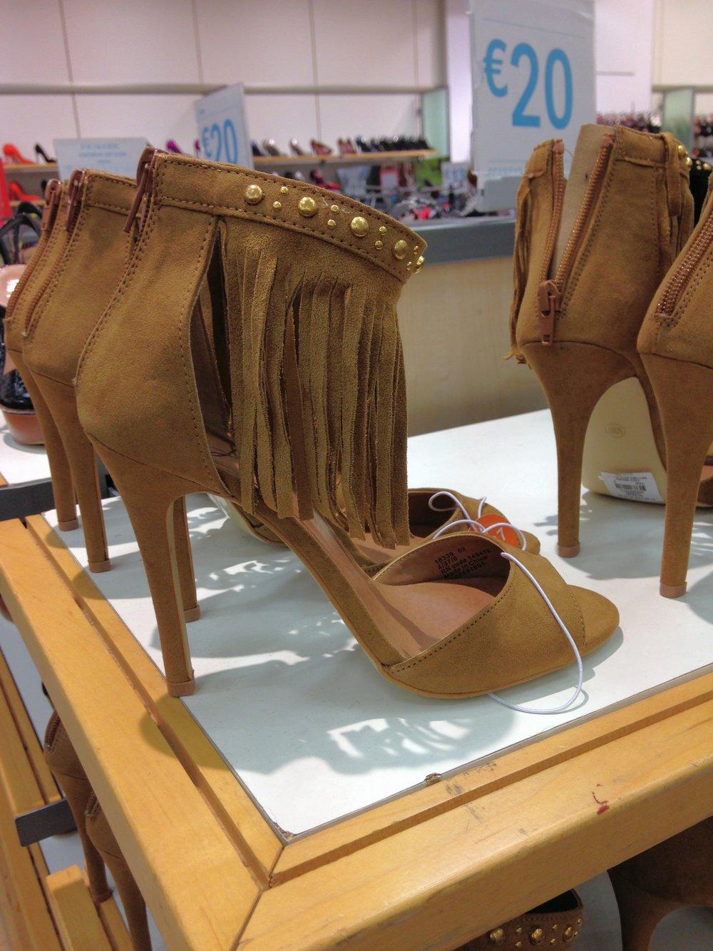 Pennys fringe sandal
