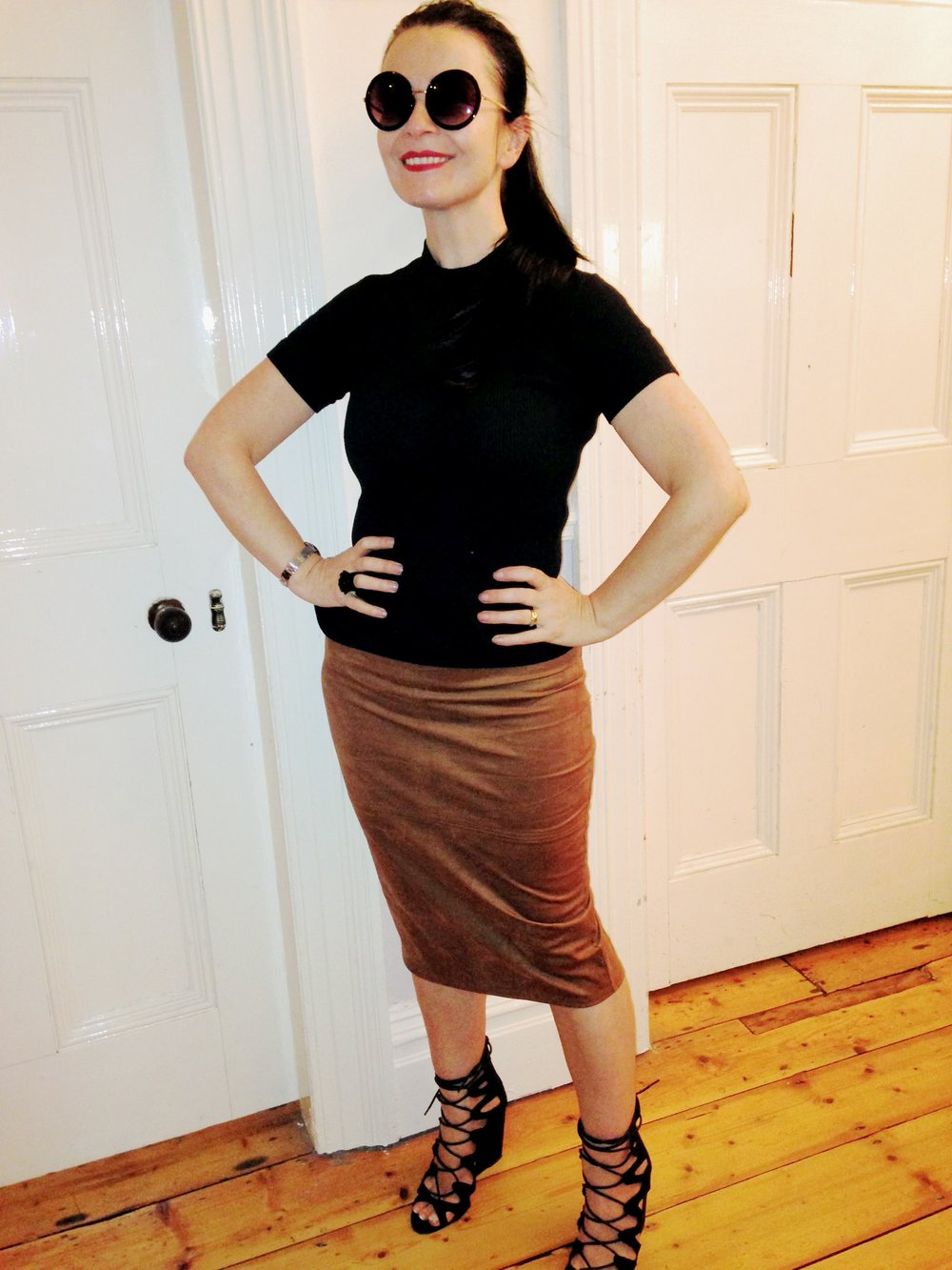 Cool 90s vibe! Crew neck polo worn with same Penneys pencil skirt in Brown this one bought in Mary St Dublin for €12. These are so comfy skirts. The shoes are another Penneys purchase €18 in Dundrum Town centre. These are gorgeous!
