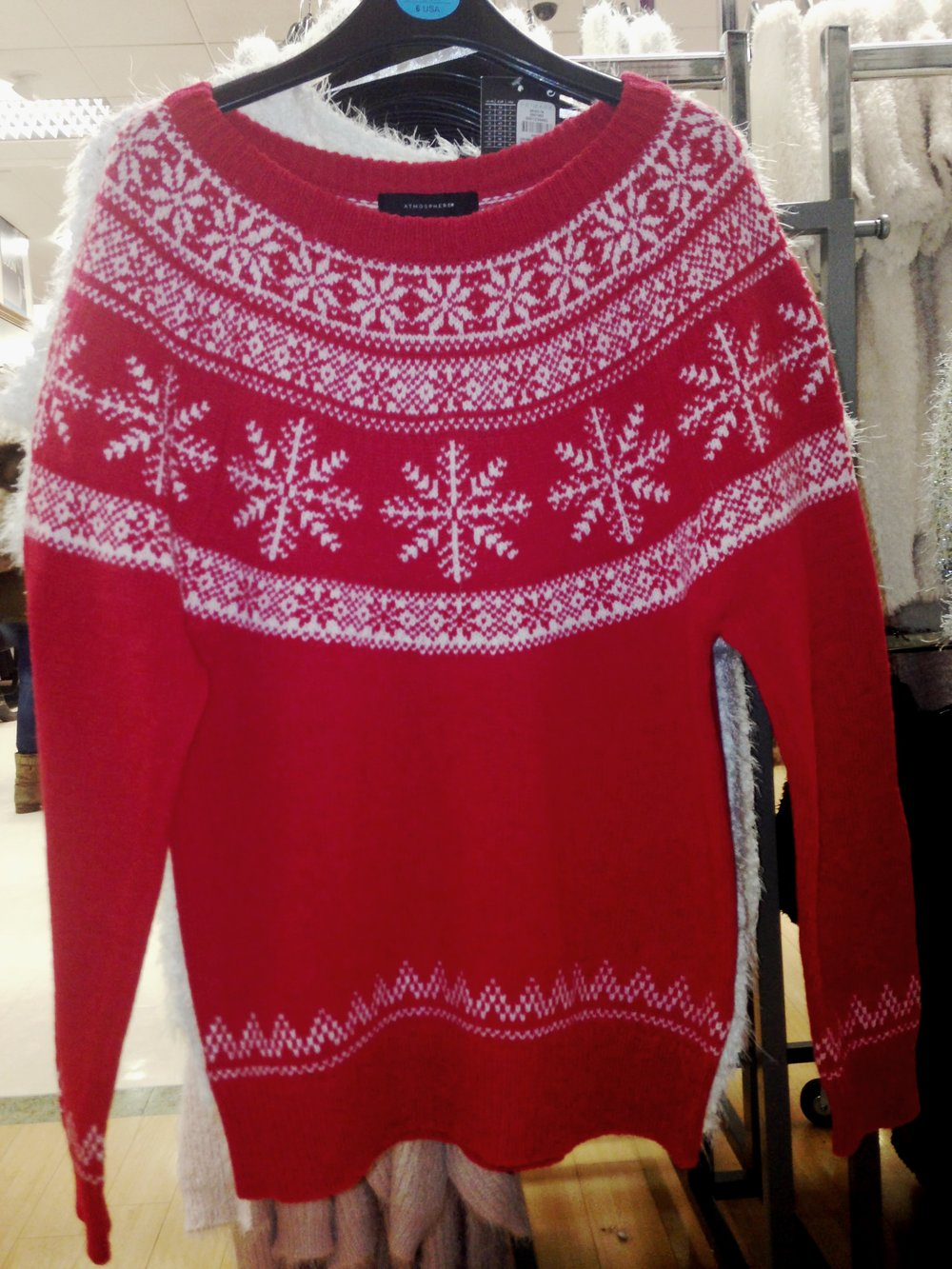 My favourite type sweater. This traditional 100% wool xmas sweater is amazing value at only €18.00. BEST BUY!