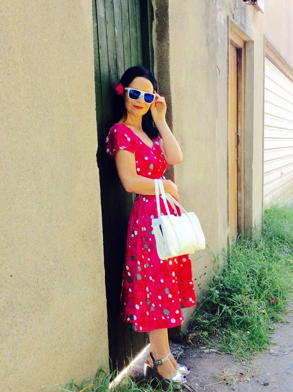 This Tea Time look is completed by shades from Penneys/Primark and a vintage 1950's bag