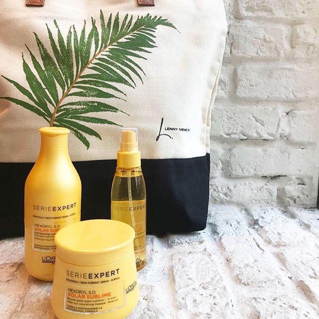 O tempo já está esquentando e nós preparamos o melhor  time pra você proteger seus cabelos do sol e ainda ganhar essa bolsa linda assinada pela top @lennyniemeyer  Deslize para o lado e veja como!  #filhairandexperience