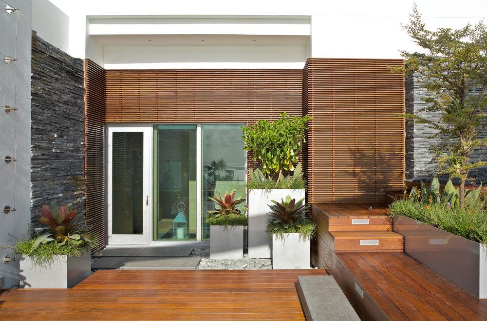 Ella Fontanals-Cisneros Rooftop Garden-2.jpg