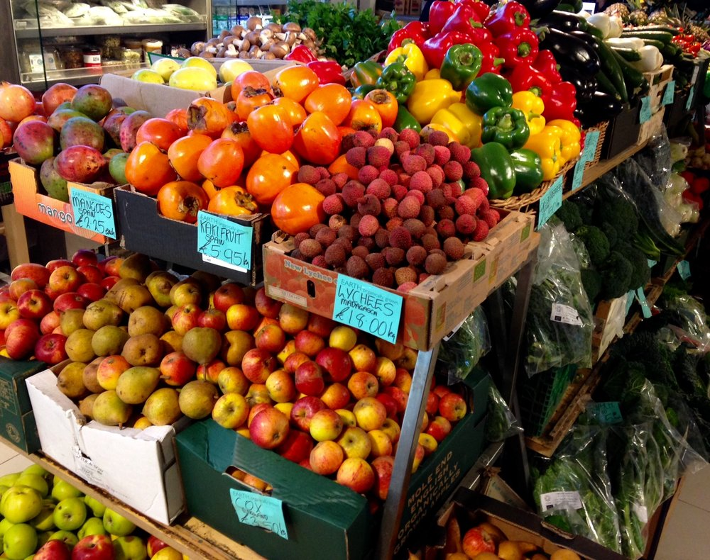 Earth Natural Foods organic fruit and vegetables.
