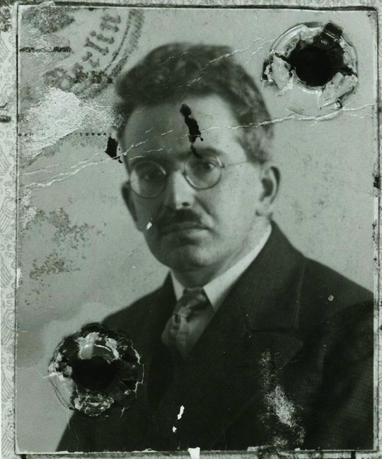 Walter Benjamin on Photography