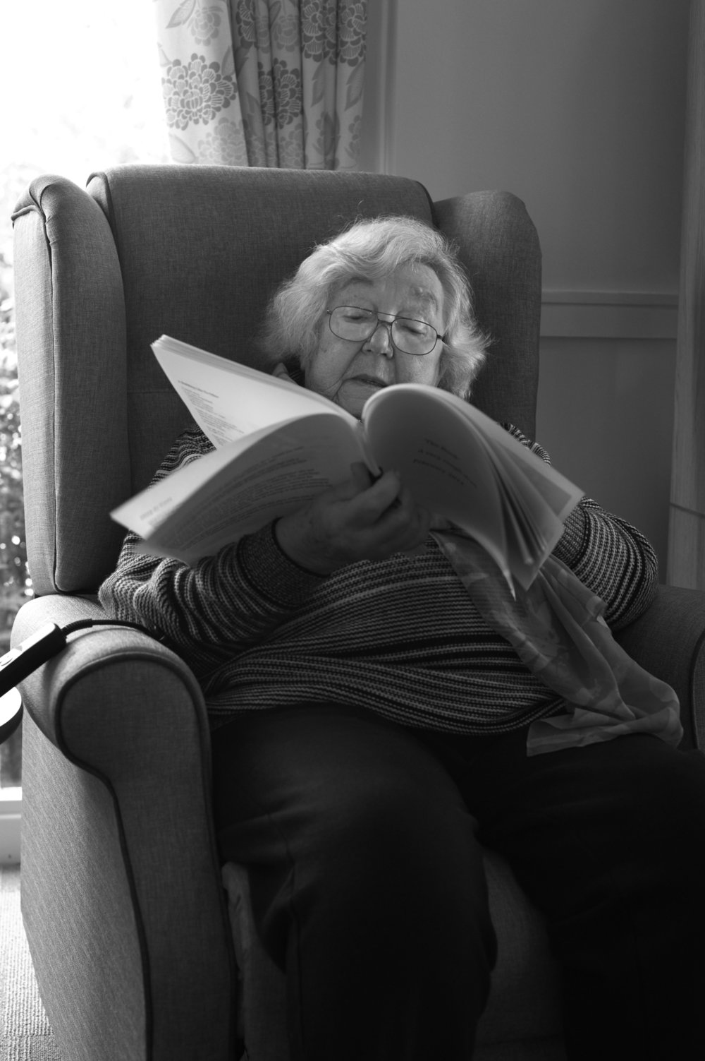 participant in arts and health project 'Being Here' at St Giles Palliative Care Hospice. Photo credit: Ming de Nasty