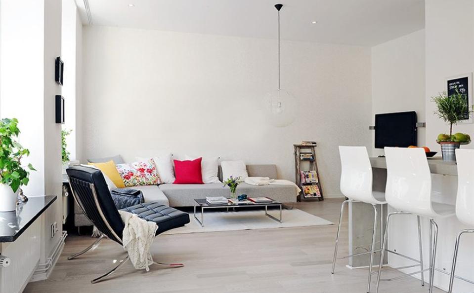 white-apartment-1-blank.jpg
