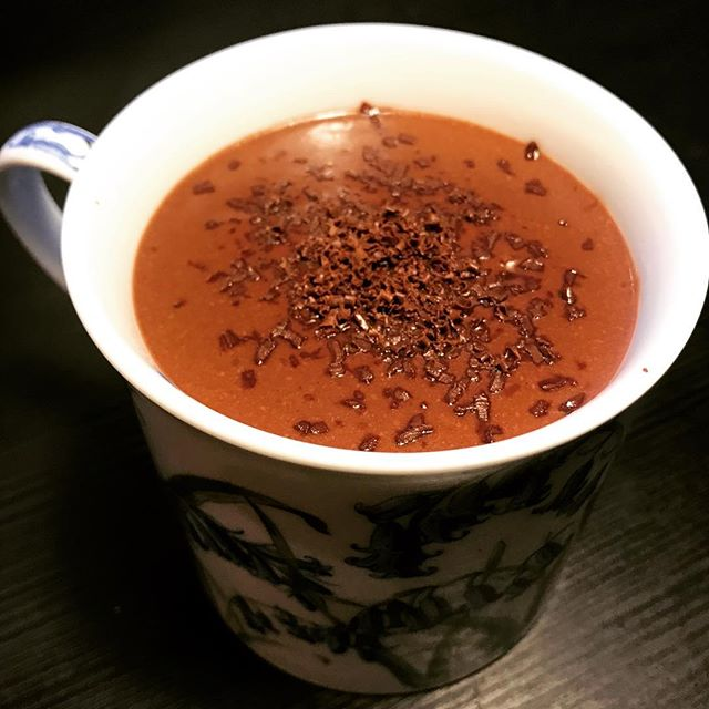 CIOCCOLATA CALDA ~ Thick Italian Hot Cocoa ✨ a pudding-like cup of hot chocolate 😋 swipe for #smooth consistency - dark chocolate & coconut milk, with a touch of cinnamon and nutmeg- thickened with arrowroot 💯 . . . . #hotchocolate #italianhotchocolate #hotcocoa #darkchocolate #vegan #delicious #apartment5c #drink #foodie #foodphotography #foodstyling #cup #hot #cioccolata #cioccolatacalda #blackfoodbloggers #chocolate #cocoa #sweet