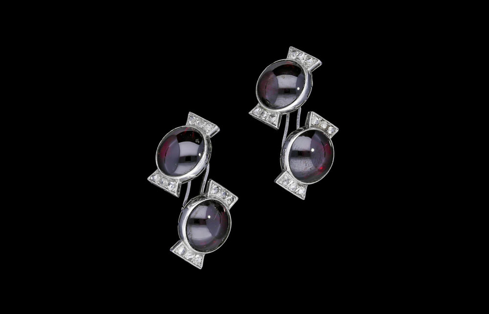 A French Art Deco bon-bon cufflinks | £2850