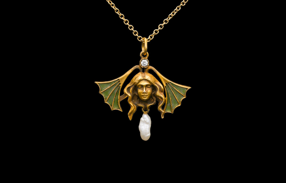 An Art Nouveau plique a jour enamel, diamond and pearl pendant on an oval link 18ct yellow gold chain | £3250