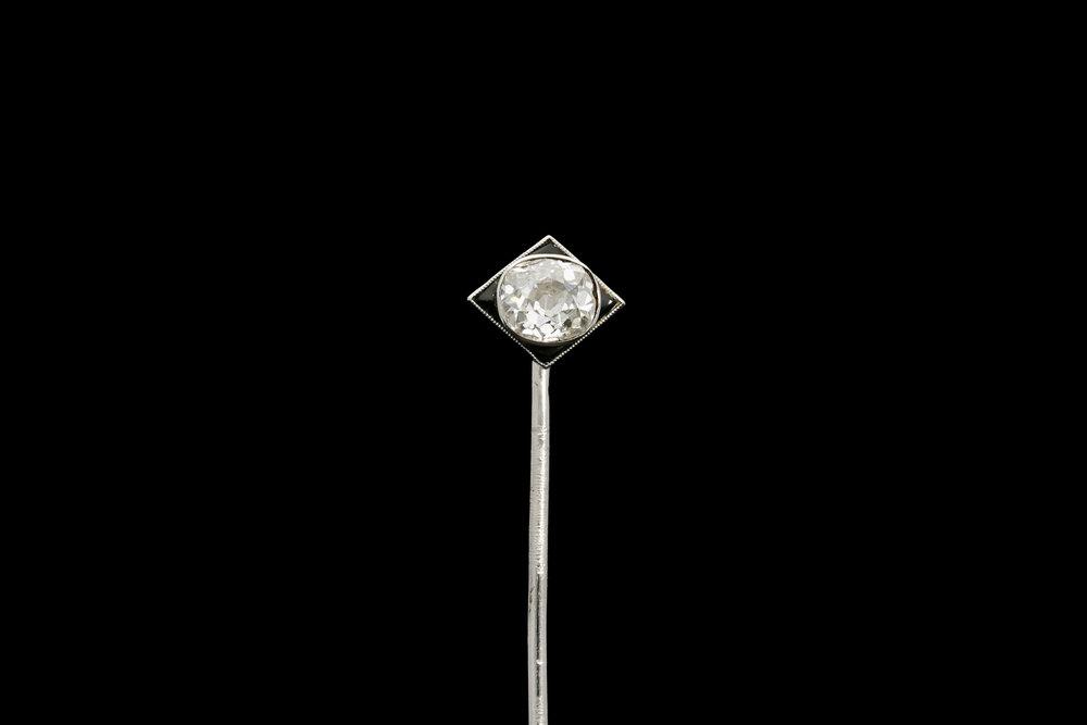 A French Art Deco stick pin | £4950