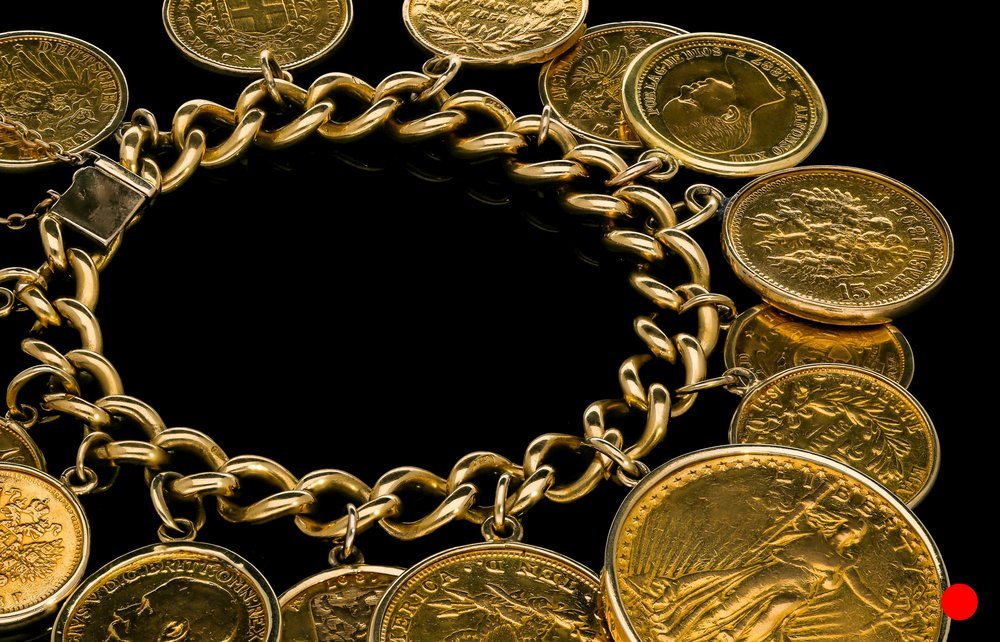 A Victorian gold coin bracelet | £12500