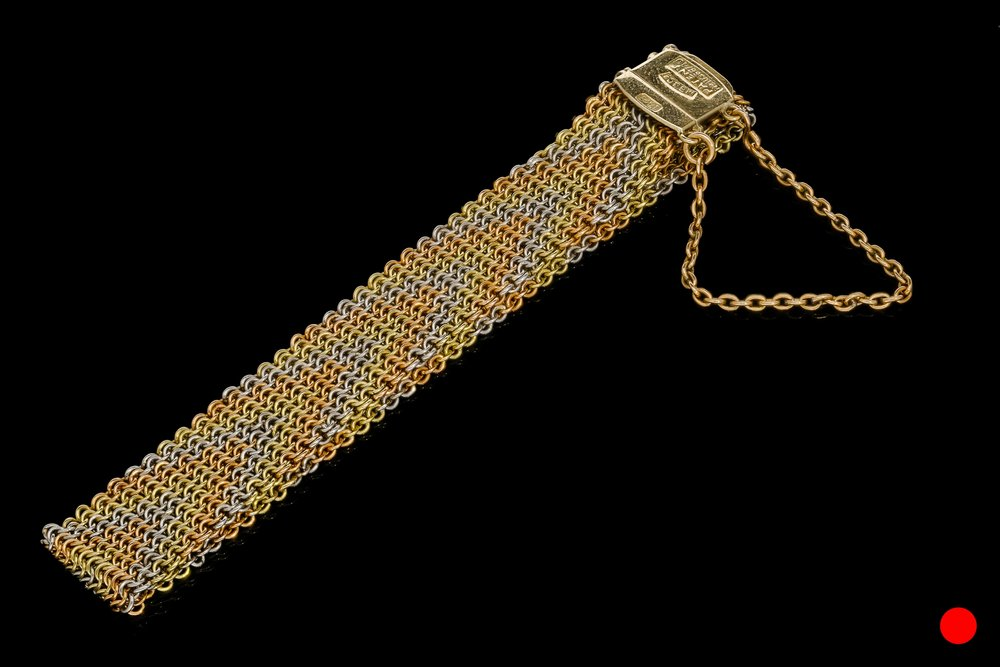 A late Victorian gold mesh bracelet | £1850