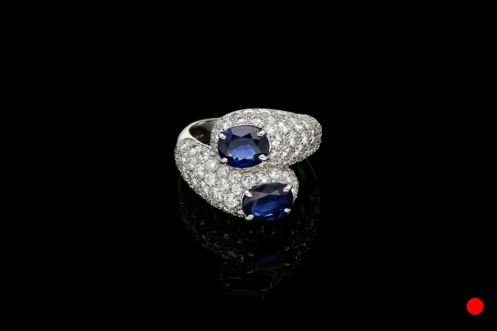 An French 1960's pave set twist ring    £9850