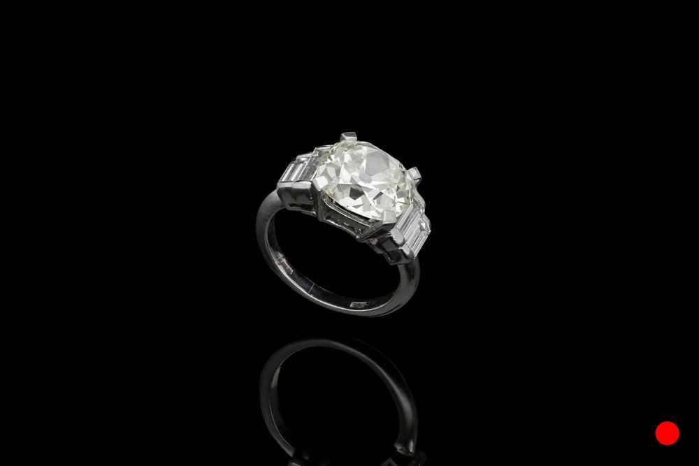 A old-mine cut diamond ring set | £29850