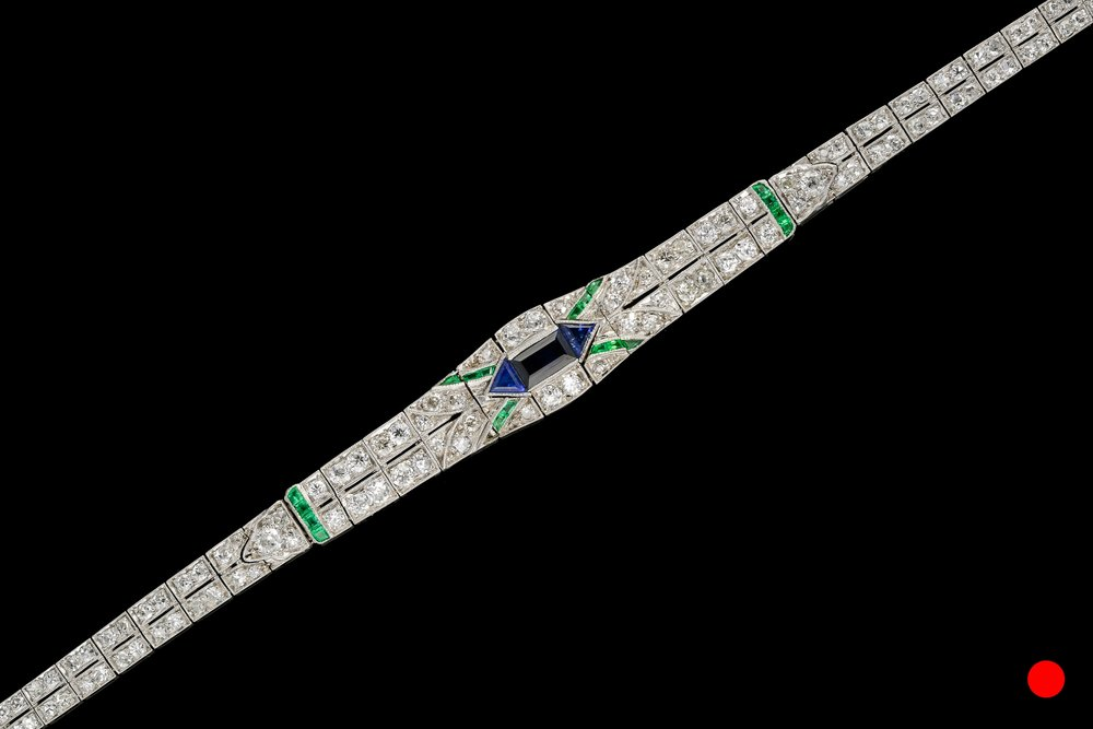 A 1940's bracelet set    £17450