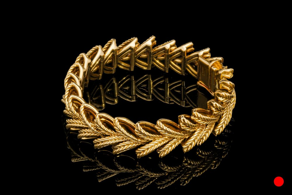 A 1940's Boucheron wreath bracelet   £7380