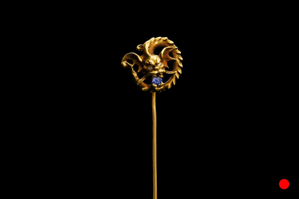 A French 18ct dragon stick pin | £1480