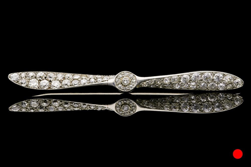 An Edwardian propeller brooch | £2650