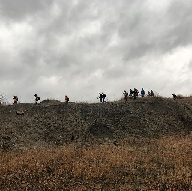 Studying glacial soils and exploring a gravel pit to better understand the various land use of our region. 💪🏼🌿Look like hobbits on an epic journey into mordor.  #hobbit #soil #science #explore #lotr #outdooreducation #farm #homestead @algonquincollege #permaculture