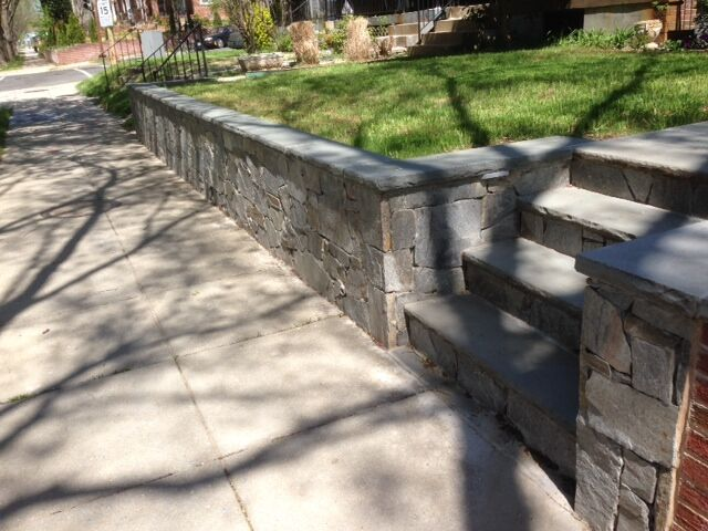 retaining wall with steps.jpg