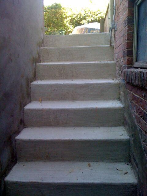 enclosed steps.jpg