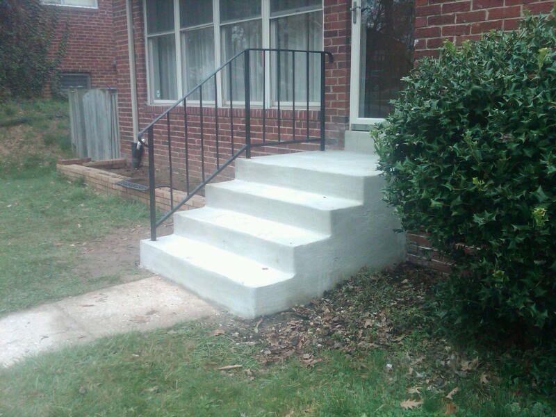 steps with 1 rail.jpg