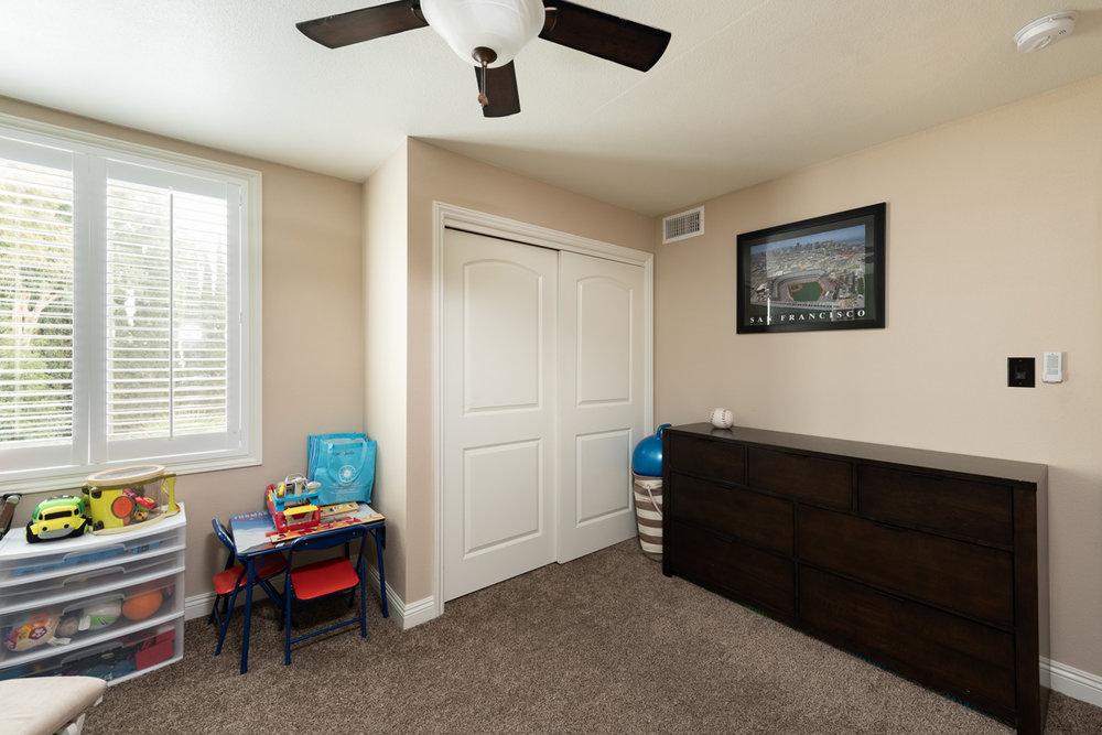 790 Cathart Ave 061.jpg