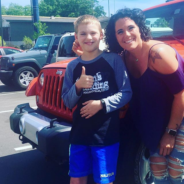 Mom got great hair with @live.love.bri @merakistudiocollective @jordynelson87_official @jeep #itsajeepthing #thankyou @joannesday