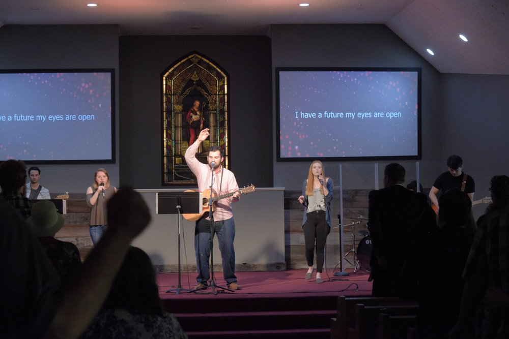 taylor Negrete Leading Worship at Lincoln Christian Life Center