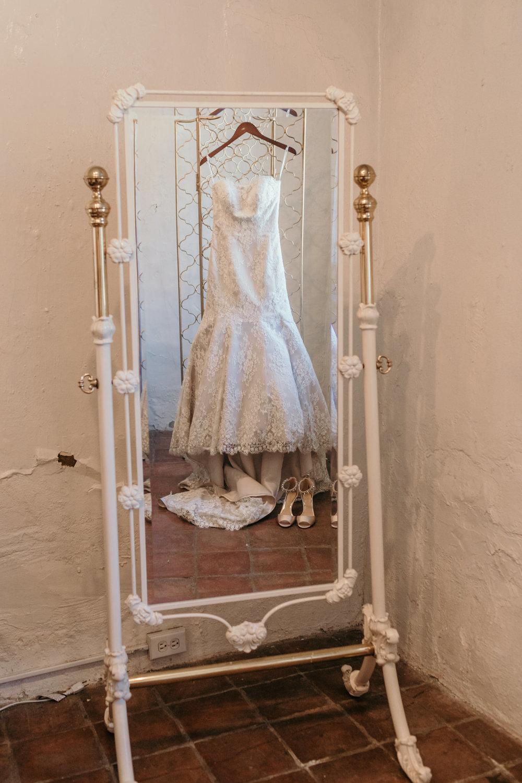 Wedding Dress Hanging Mirror