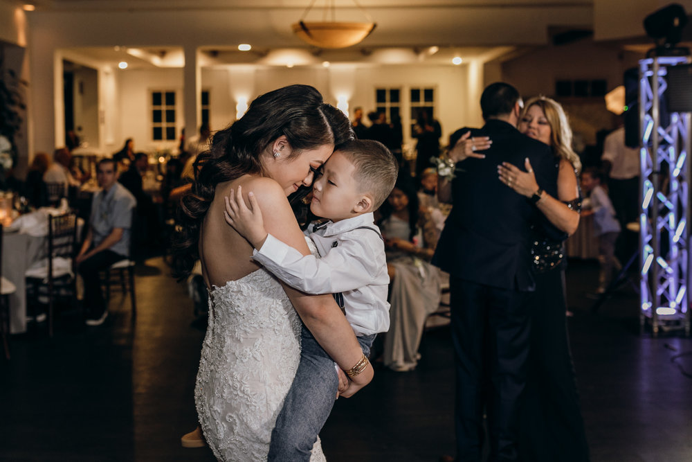mom and dad first dance