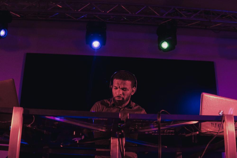 DJ (5 of 11).jpg