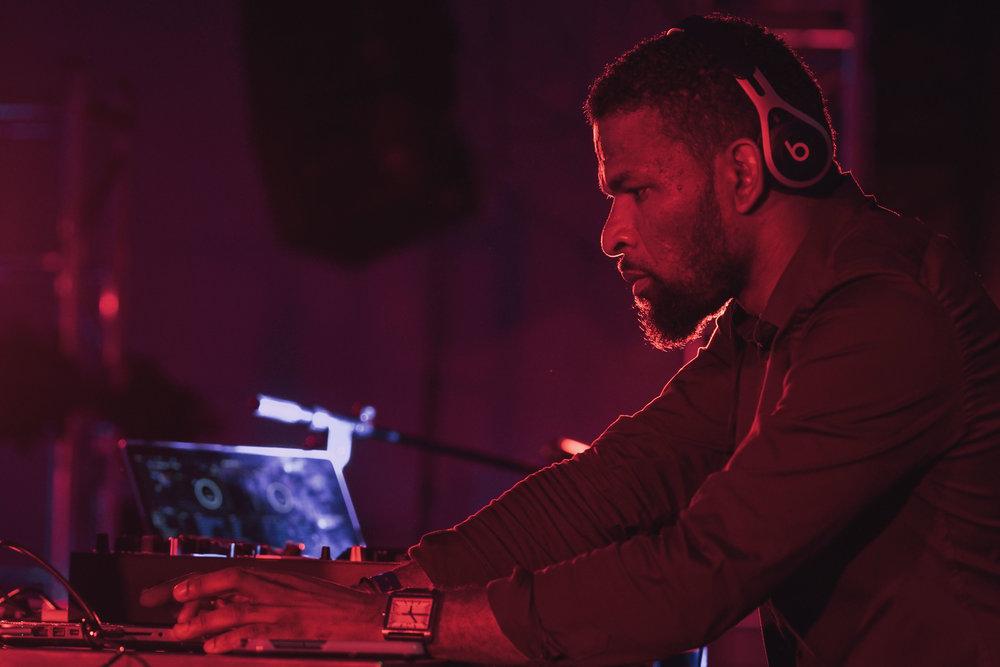 DJ (7 of 11).jpg