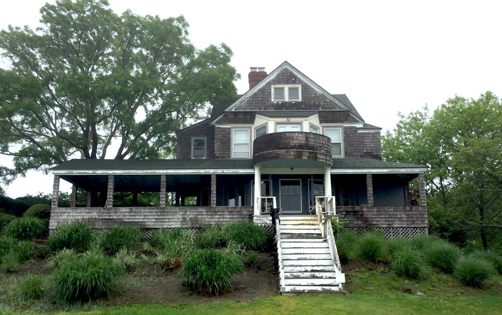 BELLPORT HOUSE