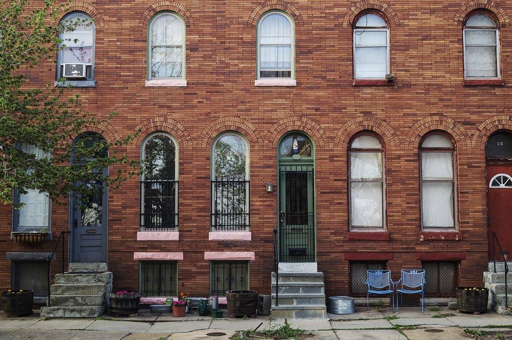 rowhouse-224442_1920.jpg