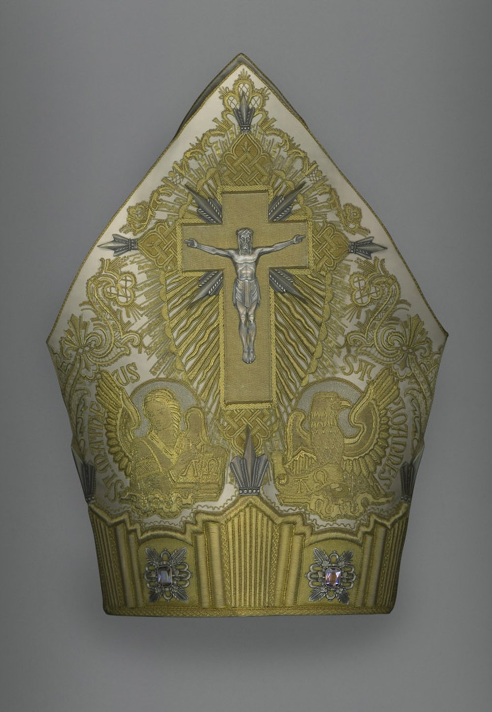 Mitre of Pius XI (r. 1922–39), 1929. Italian. Courtesy of the Collection of the Office of Liturgical Celebrations of the Supreme Pontiff, Papal Sacristy, Vatican City. || Photo credit from the Met Museum. Digital composite scan by Katerina Jebb.