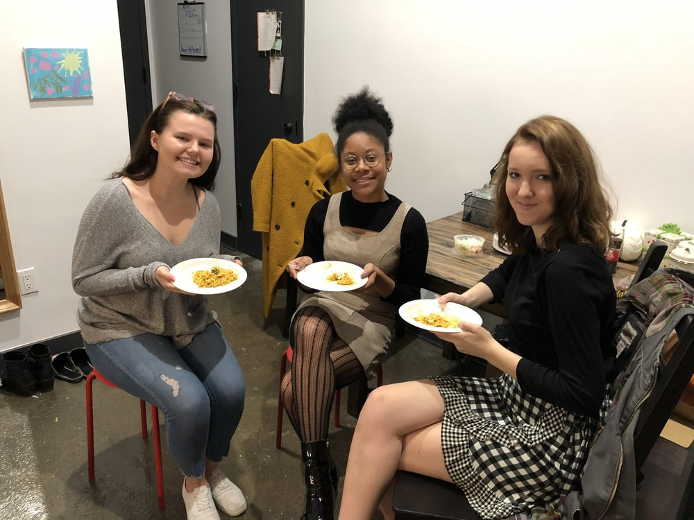 Lauren Bannister, Sydney Watson, and Dominique LaCroix enjoying lunch and good conversation about their favorite plant-based meals. || Photo Credit to Serena Tuomi