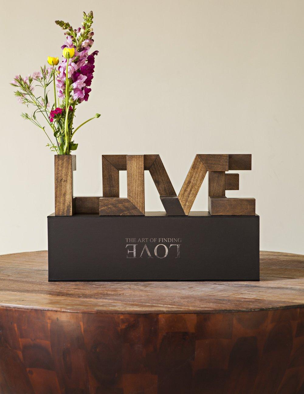 Wood love vase and packaging new jpg