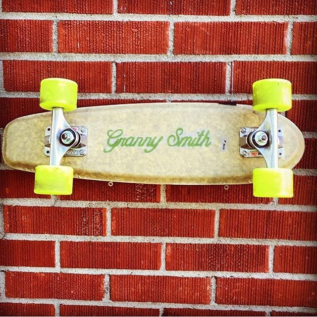 RP from @eazyyliving showing Granny's Hemp with Louisiana's classic red bricks.  #sustainable #hemp #skate #california