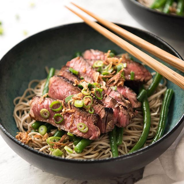 This Beef soba noodle bowl from last weeks feature was a crowd favourite! All it takes is one word 'beef'! Ask EDDY.  Easy ⏱