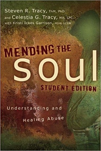 Mending the Soul - Steven R.Tracy - This teenage edition of Mending the Soul was written to show teens that by following a path of restoration and allowing God's grace to touch their heart's deepest wounds, they will find hope and healing as they work through their pain. It will help them navigate the emotional trauma of abuse and abandonment, as well as recognize signs of unhealthy families and dating relationships.