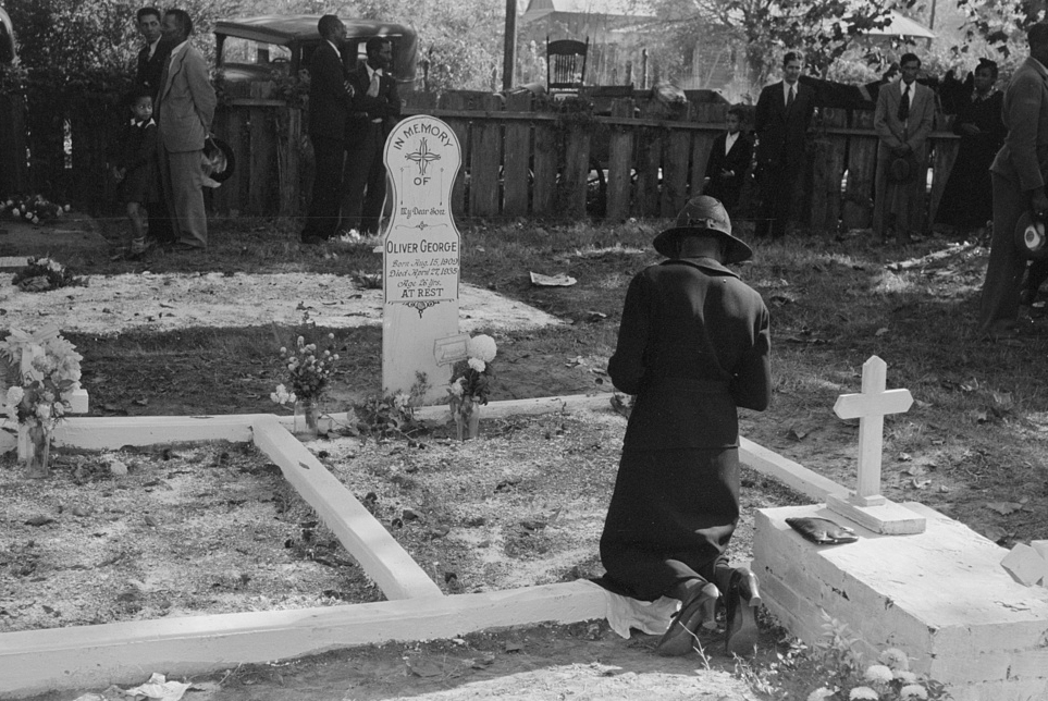 Woman grave of son_LOC.jpg