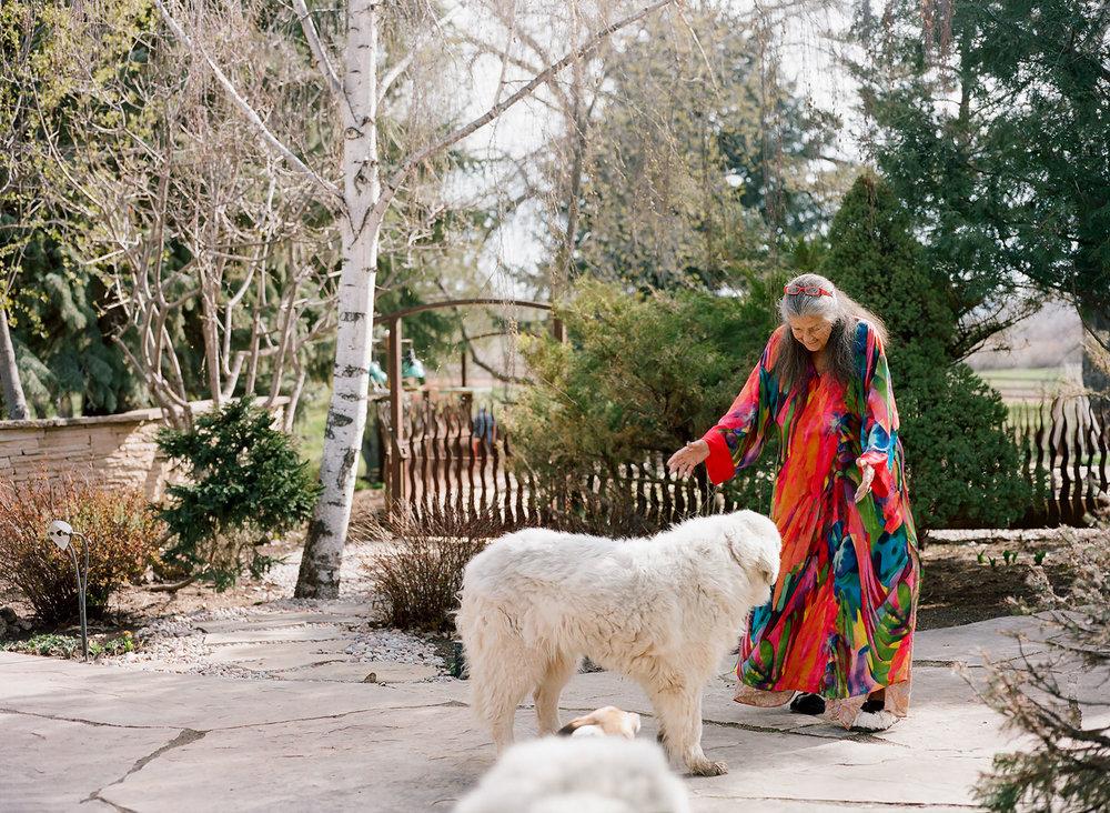 Neltje - Women in Wyoming - Greeting Teddy