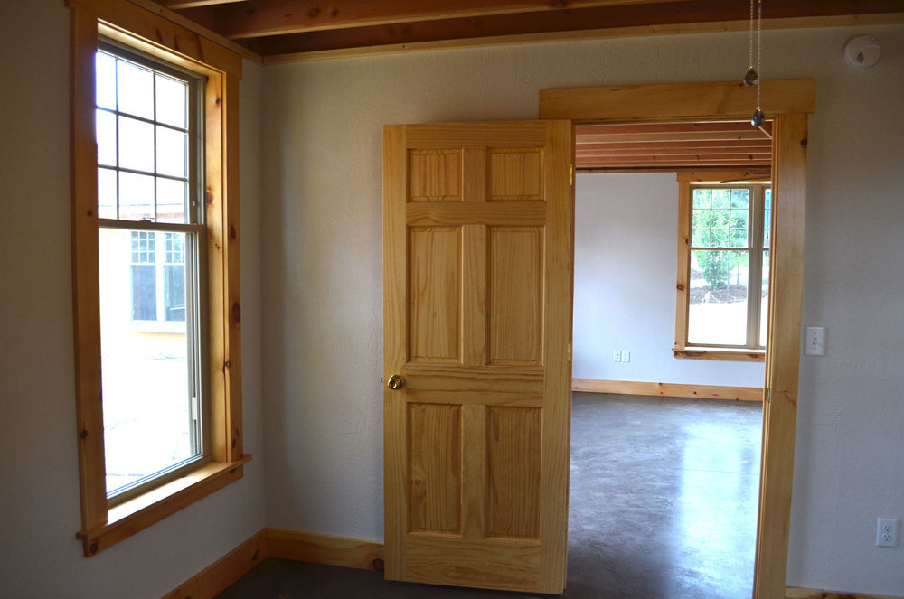 la-bourgade-on-seneca-bedroom-windows-kitchen-rentals.jpg