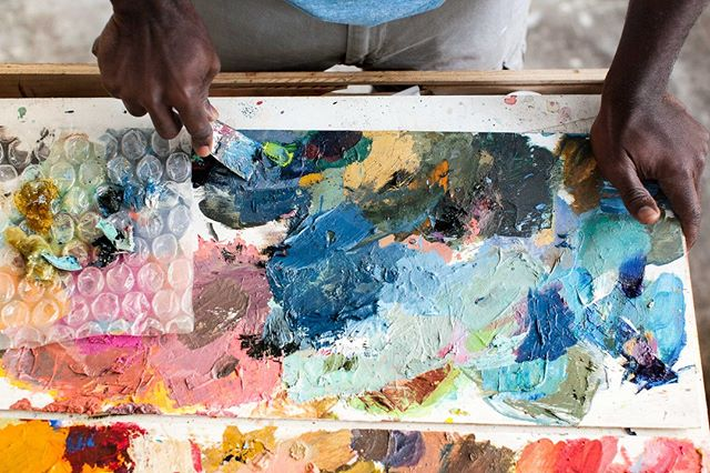 Mixing colors can create the most beautiful palette. Shot for the incredibly talented @fordjourstudio #derekfordjour in his studio. #talismanphoto #staywoke #july4 . . . . . #studiovisit #photoshoot #artoftheday #contemporaryart #fineart #instaartist #artistatwork #artistoninstagram #artislife #arteverywhere #artist #artwork #creative #artoftheday #fineart #artstudio #instaart #originalartwork #studiolife #workspace #studiovisit #studiovibes #artstudio #artistsstudio #hands