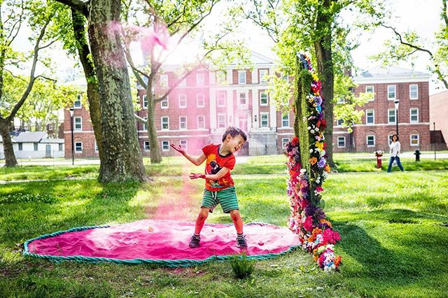 Summer vibes! Don't forget to take advantage of the free art and culture NYC has to offer this summer! #talismanphoto Installation piece by @vacalabro on @governorsisland for @figmentnyc .⠀ .⠀ .⠀ .⠀ .⠀ #thislandhaspinksand #figmentnyc⠀ #artoftheday #artislife #arteverywhere #artwork #originalartwork #publicart #installationart #artislife #artiseverywhere #kidsportraits #candidchildhood #childhoodunplugged #littleandbrave #best_children_photo #letthekids #pixel_kids #artistsoninstagram #instaartist #artistoninstagram #instaart #instagramNYC #iloveny #newyork_instagram #ImagesofNYC #newyork_ig #thisisnewyorkcity #unlimitednewyork