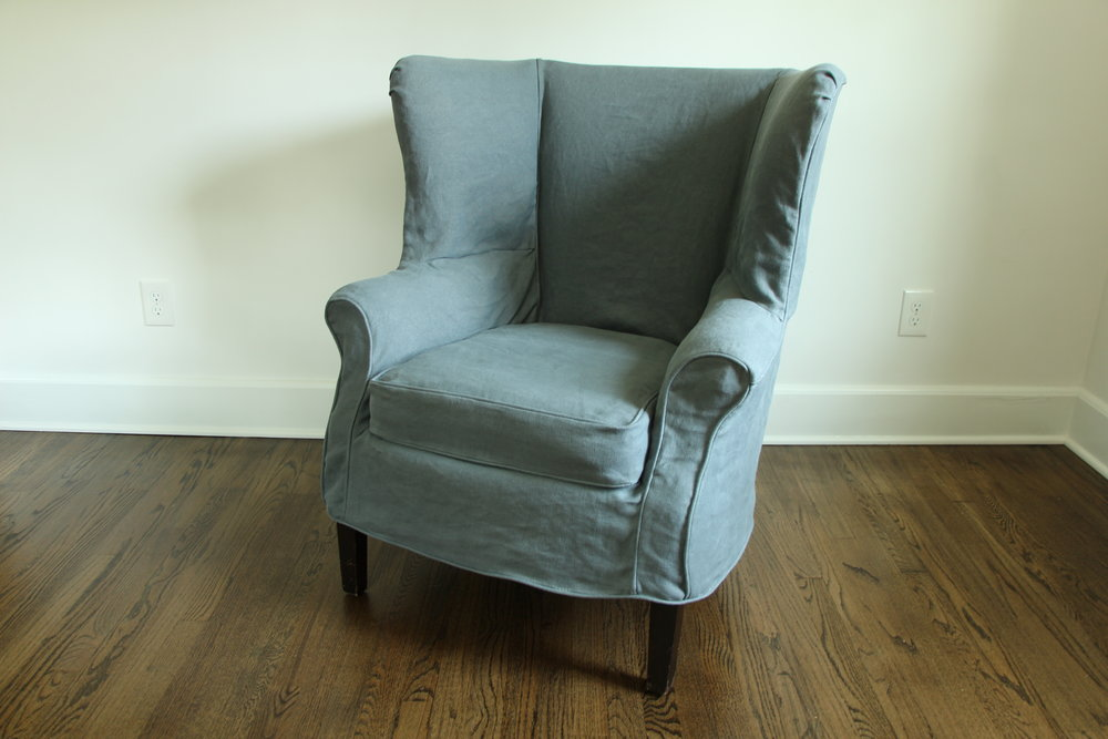 Loose fit, linen slipcover