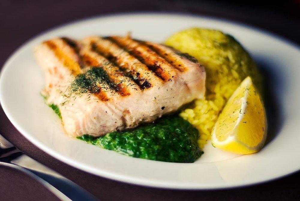 aspen catering salmon dinner