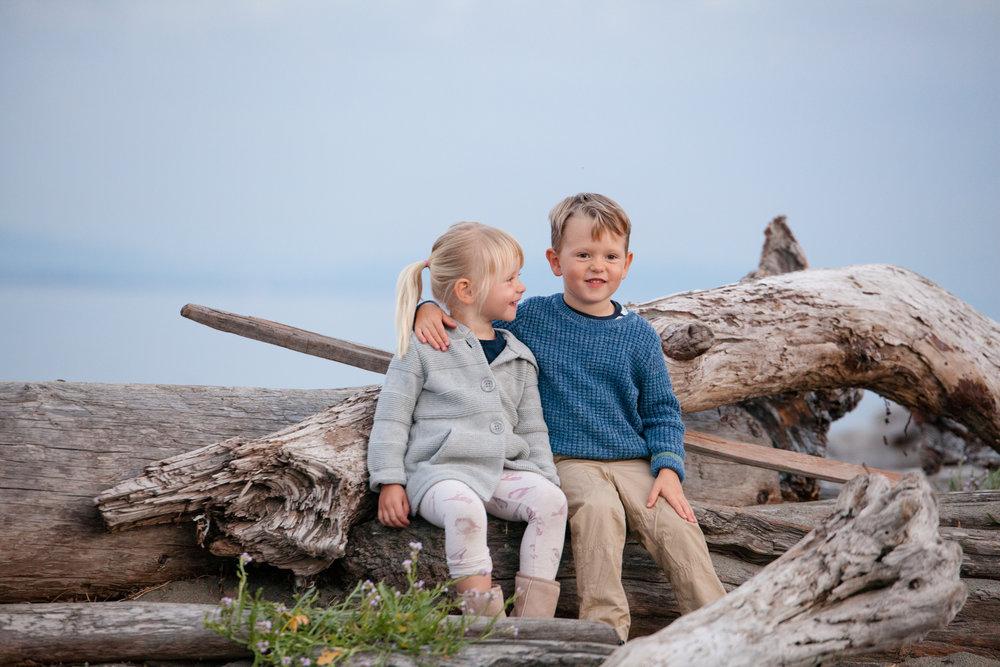Centennital Beach Family Photos2.jpg
